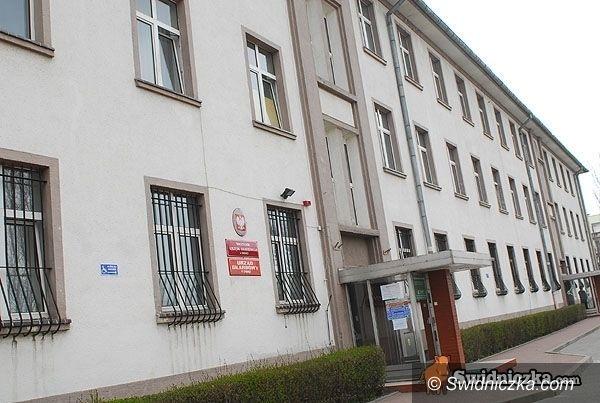 Świdnica: Skarbówka czeka dłużej na podatników