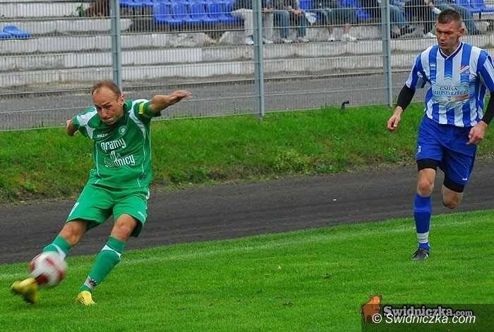 III-liga piłkarska: Podział punktów w Międzyrzeczu, nikt nie remisuje tak często jak Orzeł
