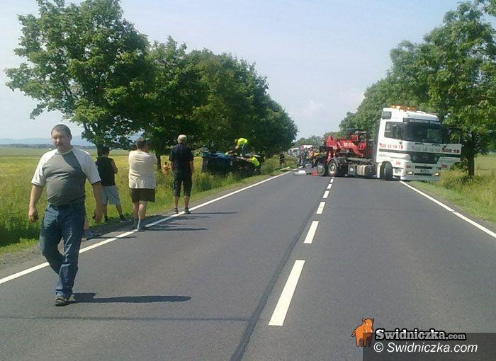Małuszów: Ciężarówka zatarasowała dziś drogę na trasie Wrocław–Świdnica [FOTO,VIDEO]