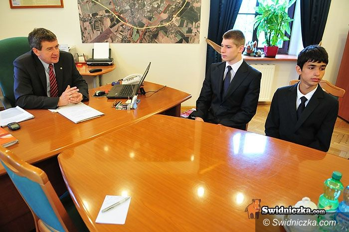 Świdnica: Złoci akrobaci gościli u prezydenta