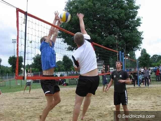 Świebodzice: Wyniki świebodzickiego turnieju plażówki