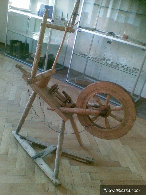 Żarów: Stuletni kołowrotek w Żarowie