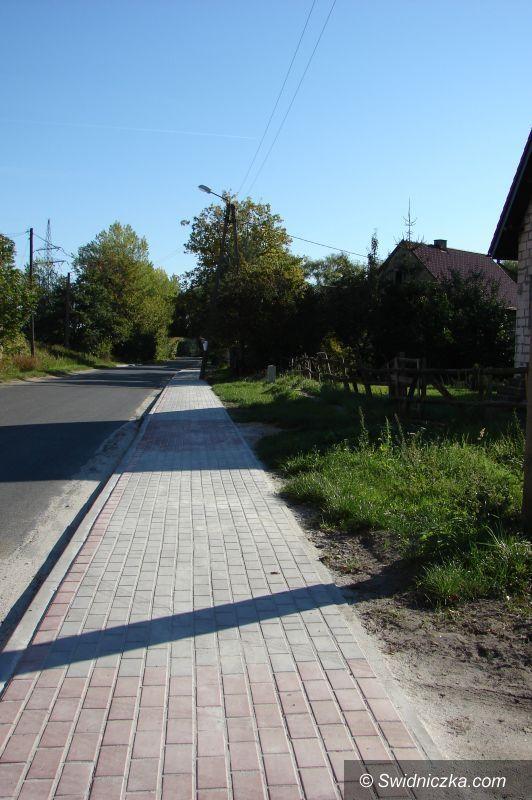 Gmina Świdnica: Ponad 1200m2 nowych chodników