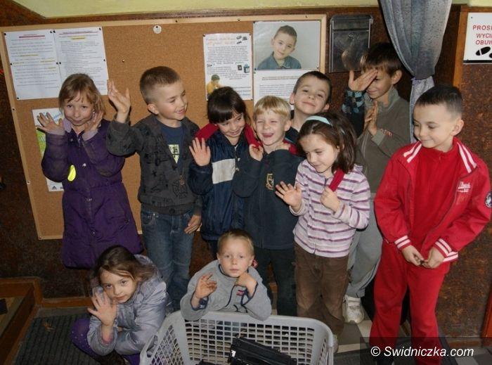 Świdnica: Zbierają puste pojemniki i tonery. Chcą pomóc choremu chłopcu.