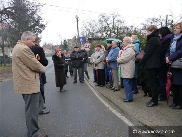 REGION, Borów: Najdłuższy chodnik po remoncie