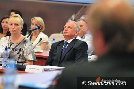 Świdnica: Sesja budżetowa powiatu
