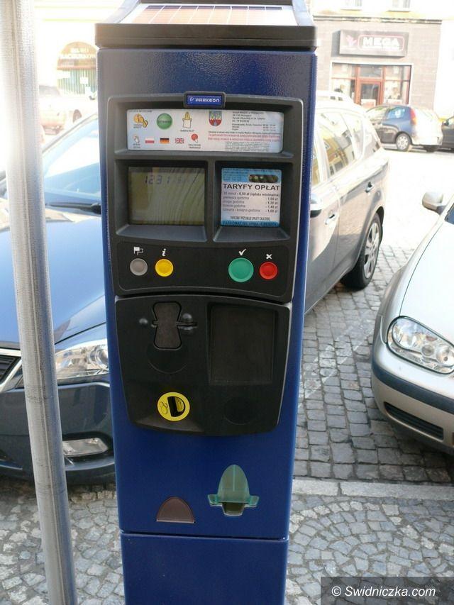 Strzegom: Korzystne zmiany dla użytkowników strefy płatnego parkowania w Strzegomiu