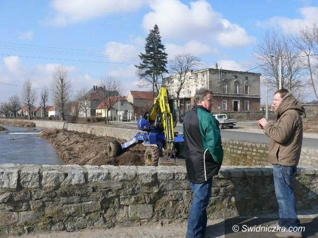 Strzegom: Remont zabudowy regulacyjnej rzeki Strzegomki