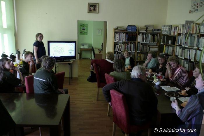 Jaworzyna Śląska: Młodzież uczy starszych w Jaworzynie Śląskiej