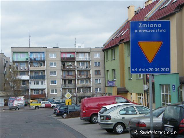 Świebodzice: Zmiana organizacji ruchu na Osiedlu Piastowskim w Świebodzicach