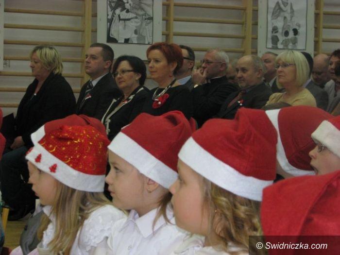 Pastuchów: Święty Mikołaj patronem Szkoły Podstawowej w Pastuchowie