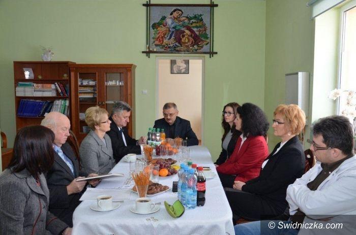 Gmina Strzegom: Karetka z lekarzem jest niezbędna w gminie Strzegom