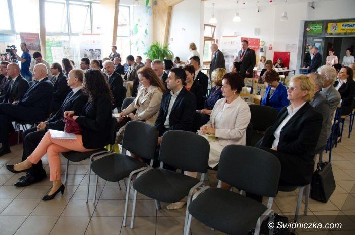 """Świdnica: Konferencja """"Modernizacja Centrów Kształcenia Zawodowego w Powiecie Świdnickim"""""""