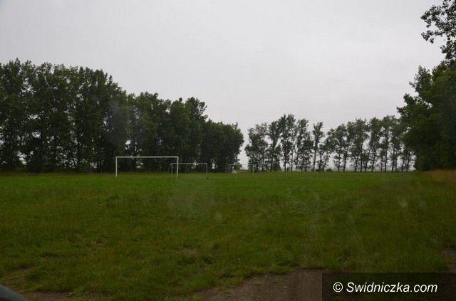 Tomkowice: Boisko w Tomkowicach musi być w pełni ogrodzone