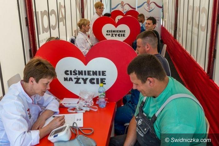 """Region: Ponad 3000 przebadanych osób w ramach kampanii """"Ciśnienie na życie"""""""