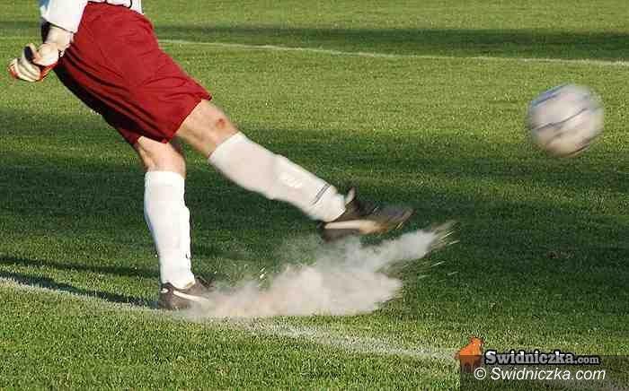 IV-liga piłkarska: AKS przegrywa ważne spotkanie