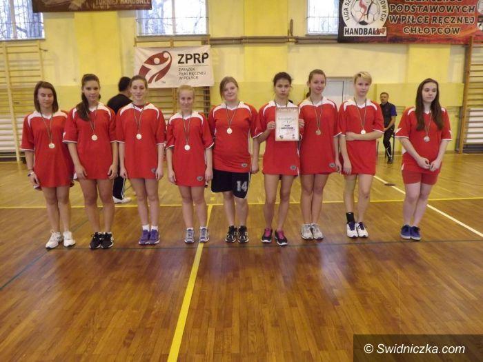 Świdnica: Zwycięswo gimnazjalistek z jedynki