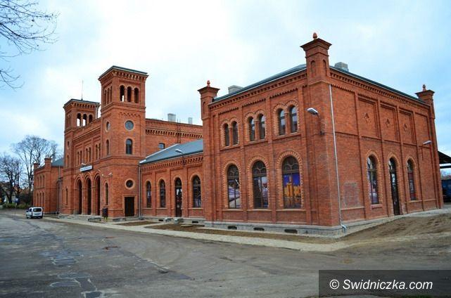 Świebodzice: Dworzec otwarty dla podróżnych