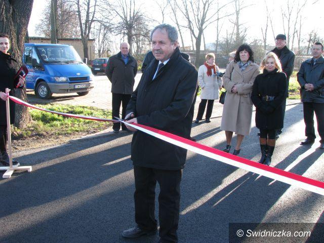 Marcinowice: Otwarcie przebudowanej drogi Sportowej w Marcinowicach