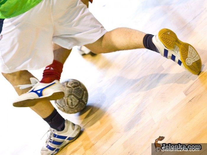 Świdnica: Świdnicka Liga Halowa: Remis w meczu na szczycie