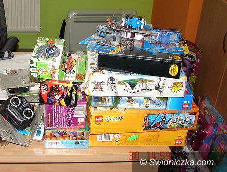 Świebodzice: Włamali się do sklepu z zabawkami