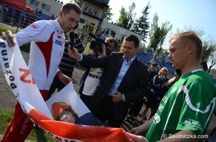 Świdnica: Zbigniew Bródka spotkał się z młodzieżą i wsparł strażaków [FOTO/VIDEO]