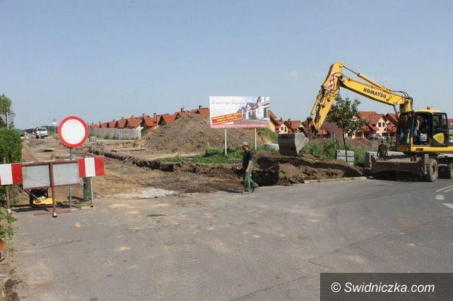 Świebodzice: Koparki wjechały na ul. Pileckiego