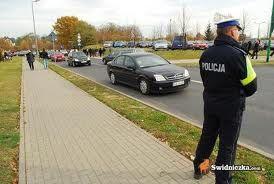 powiat świdnicki: Trwa policyjna akcja