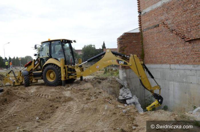 Żarów: Ruszyła budowa basenu w Żarowie