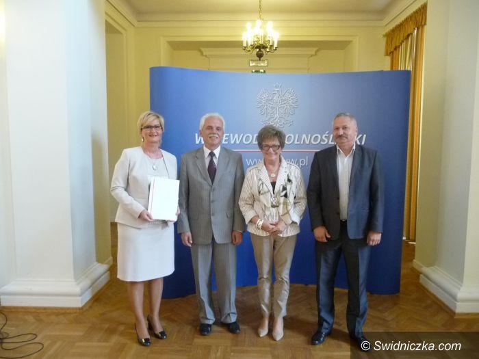powiat świdnicki: Kolejny kilometr drogi powiatowej zostanie odremontowany