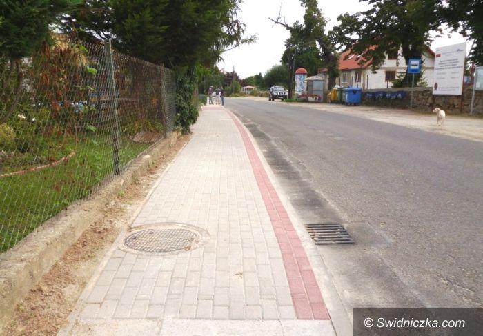 Tomkowice: Tomkowice z nowym chodnikiem
