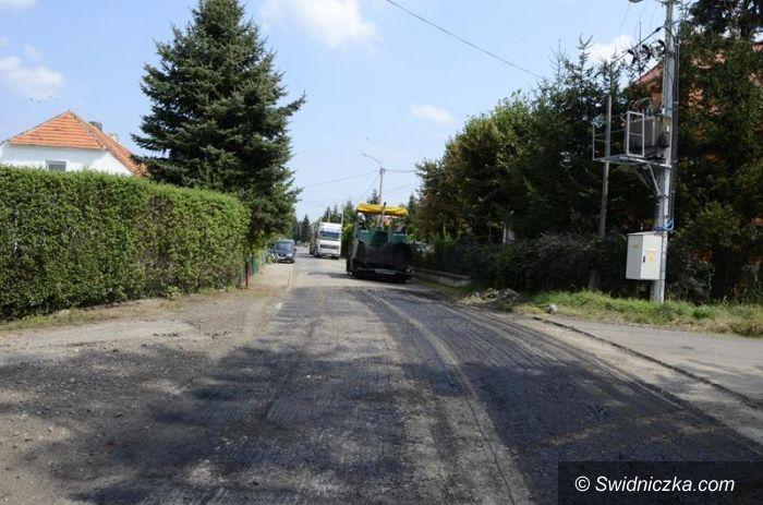 Gmina Żarów: Drogi dojazdowe w remoncie