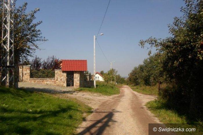 Dobromierz: Ulica Zielona z nowymi lampami