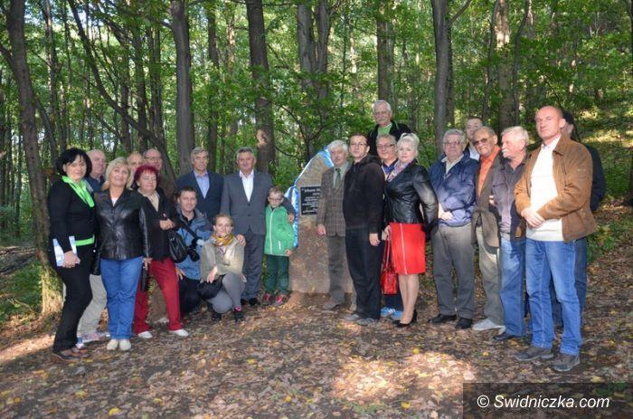 Rogoźnica: Pomnik Montanusa odsłonięty