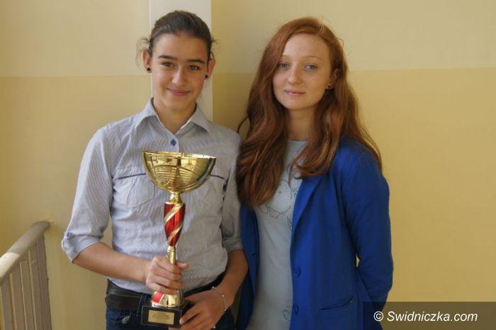 Nowa Ruda: Dziewczęta z Gimnazjum nr 1 najlepsze na Dolnym Śląsku
