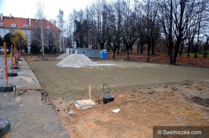 Strzegom: Trwa budowa boiska sportowego