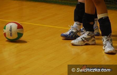 Świdnica: II liga siatkówki kobiet: Lider zbyt mocny