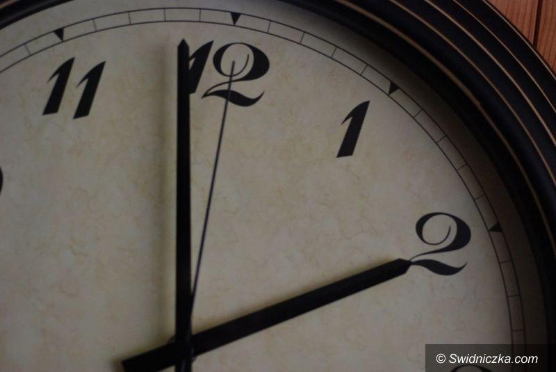 Kraj: W niedzielę zmieniamy czas na letni