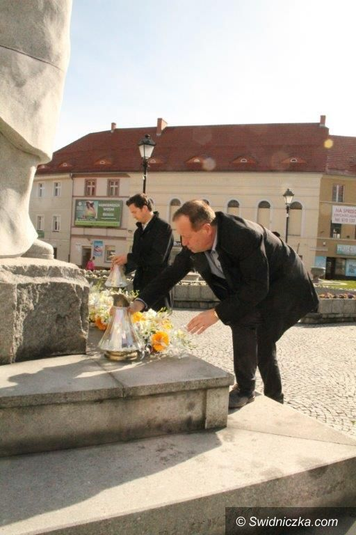Świebodzice: Świebodzice: Światełko dla Jana Pawła II