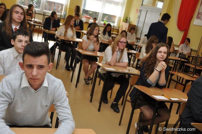 Świdnica/Kraj: Gimnazjaliści piszą egzaminy
