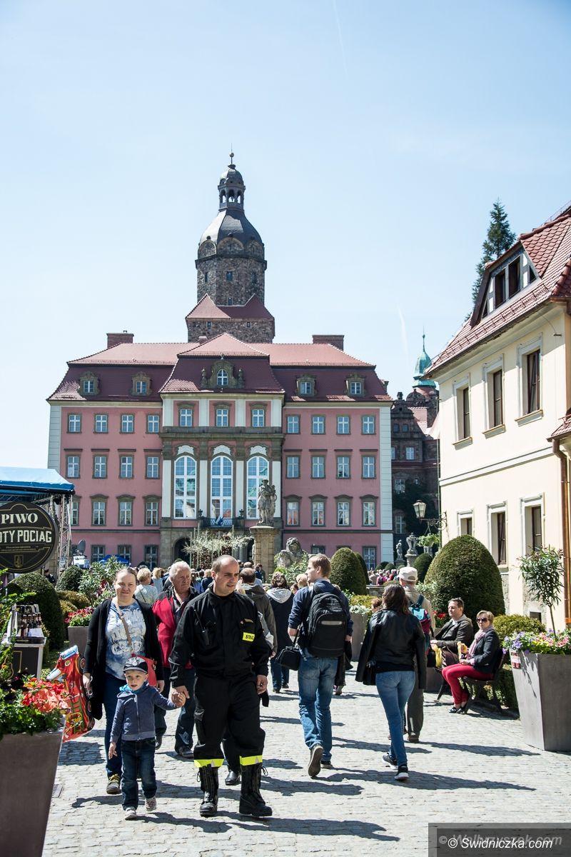Wałbrzych: Kwitnący Książ kolejny już raz zachwycił turystów