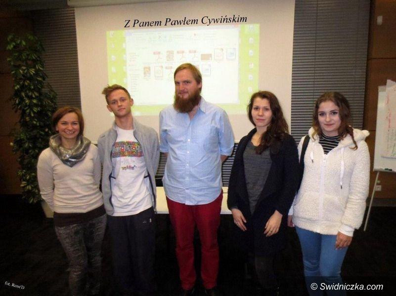 """Strzegom: ZS w Strzegomiu finiszuje w projekcie """"Nasz Świat"""