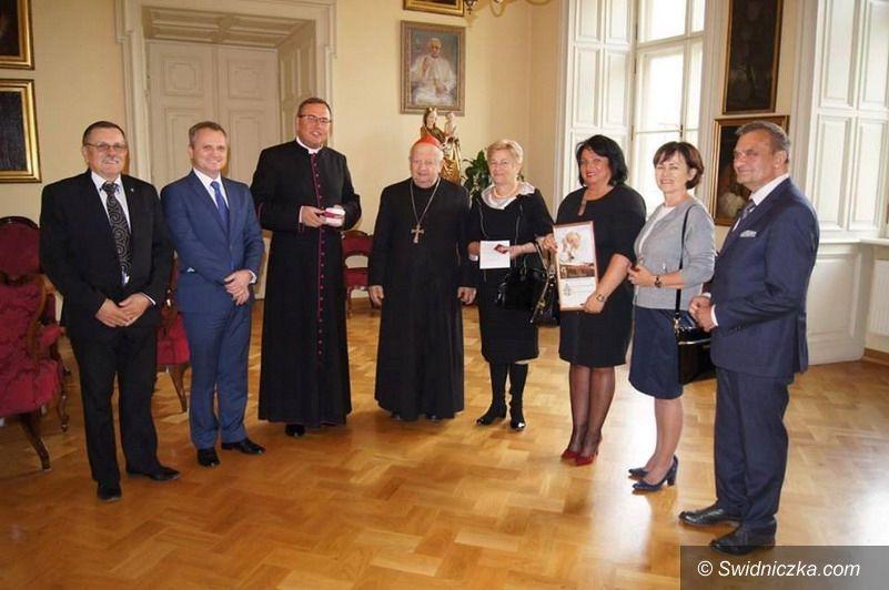 Strzegom: Relikwie Jana Pawła II w Strzegomiu