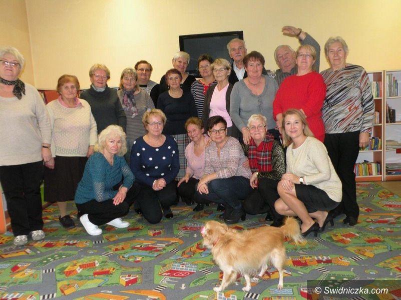 Strzegom: Seniorzy na spotkaniu z kronikami Strzegomia