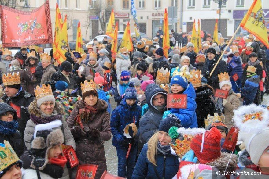 Świebodzice: Radosny i kolorowy orszak w Świebodzicach