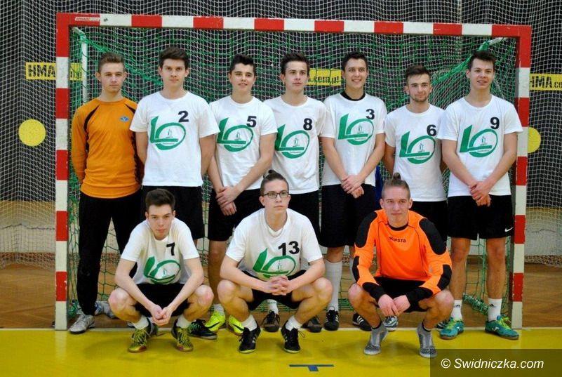 Świebodzice: Uczniowie LO w Świebodzicach Mistrzami Dolnego Śląska w Halowej Piłce Nożnej