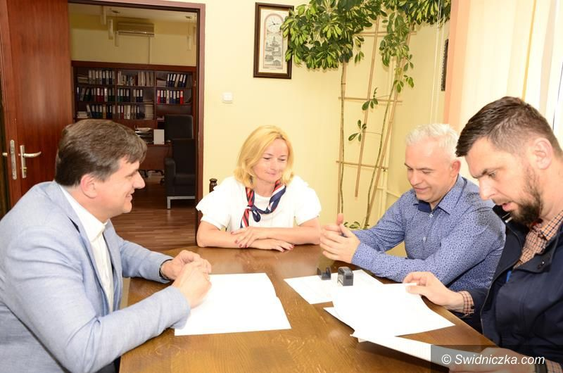 Żarów: Dotacje dla działających stowarzyszeń