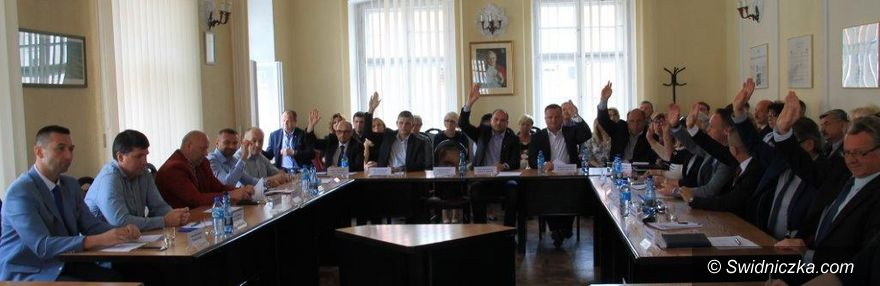 Świebodzice: Absolutorium dla burmistrza Kożuchowicza