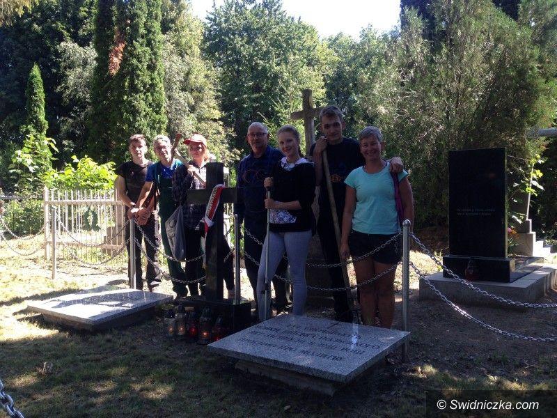 Gmina Świdnica: Ratowali polskie mogiły