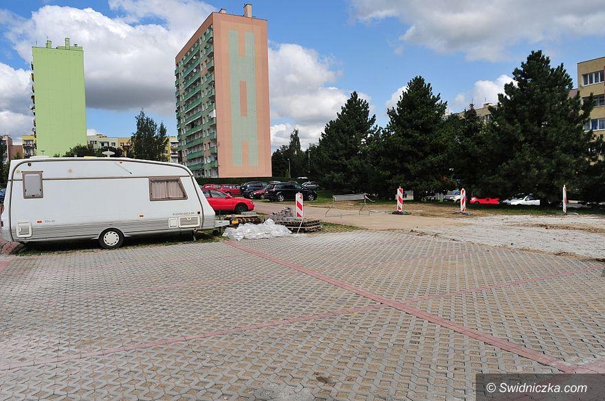 Świdnica: Nowe miejsca parkingowe na Osiedlu Młodych